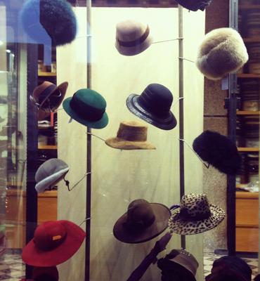 elenamora_hats